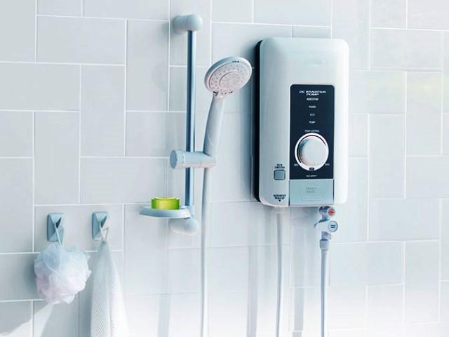 Проточный водонагреватель на стене