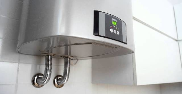 Почему капает водонагреватель и как устранить?