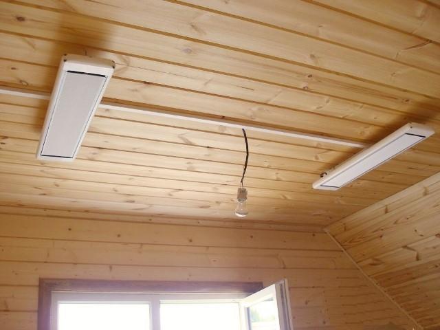Обогреватель Алмак на потолке