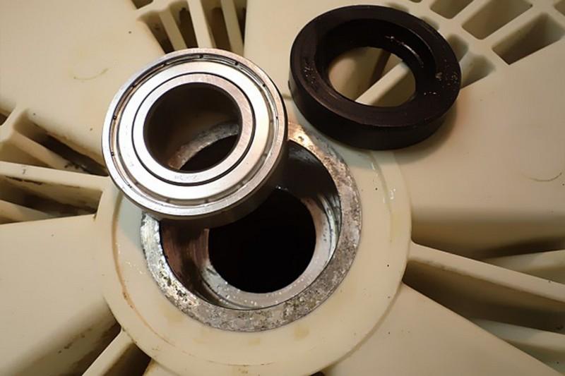Замена старого подшипника в стиральной машине