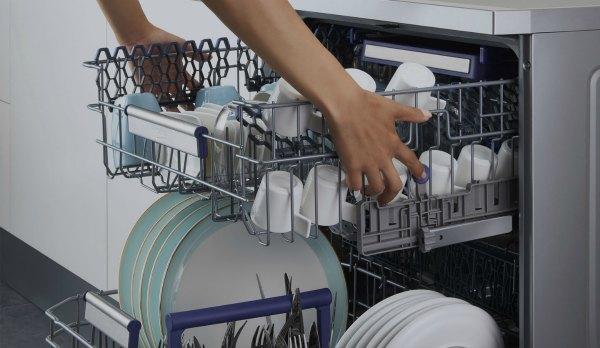 Как загружать посуду