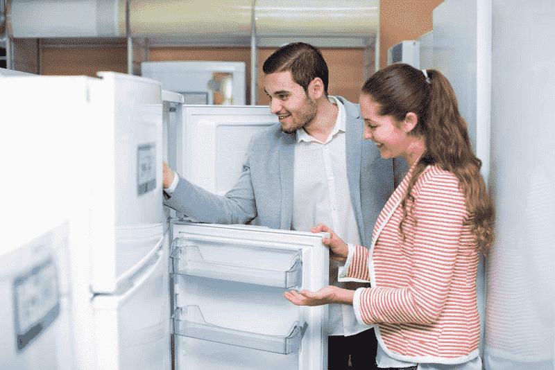 Важно тщательно осмотреть холодильник до покупки
