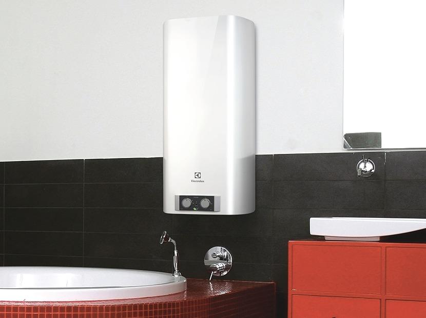 Где лучше повесить водонагреватель в ванной