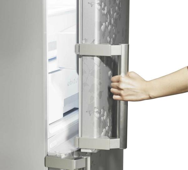 холодильник неисправен из-за перекошенной дверцы