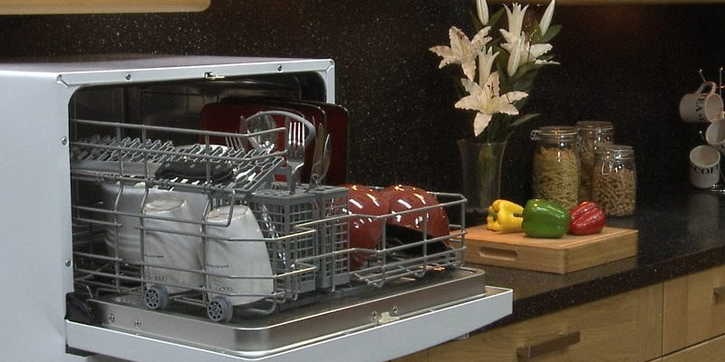 Как правильно закрепить посудомоечную машину при установке