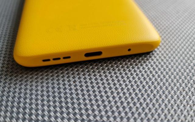 Нижний торец телефона Xiaomi Poco M3