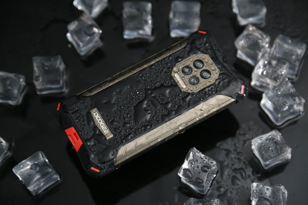 Через огонь, воду и медные трубы: вышел сверхзащищенный смартфон с батареей 8600 мАч