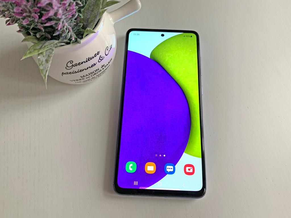 Плюсы и минусы Samsung Galaxy A52: брать или не брать?
