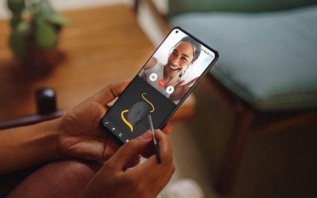 Дешевая альтернатива Samsung Galaxy Note: смартфон от Motorola со стилусом и крупным экраном 6,81 дюйма