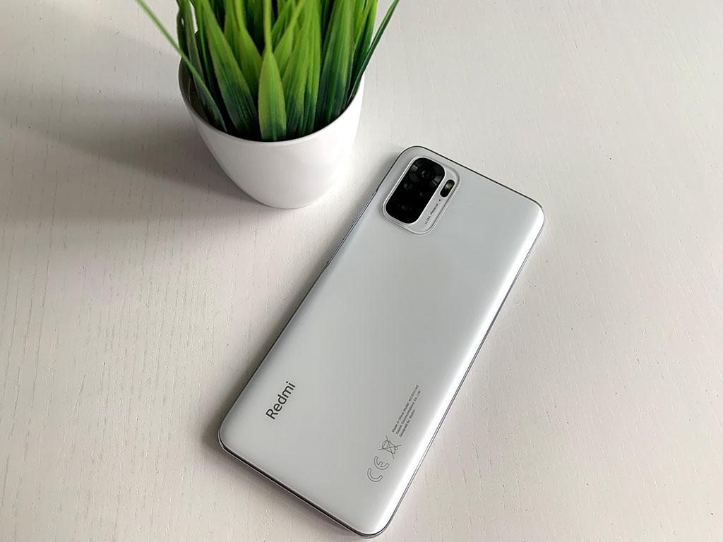 Новый бестселлер. Смартфон Xiaomi, который раскупают в Китае больше 500 тысяч штук за час
