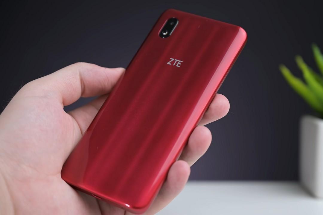 Не надо переплачивать за NFC. Есть смартфон с LTE и бесконтактными платежами за 4 тысячи рублей