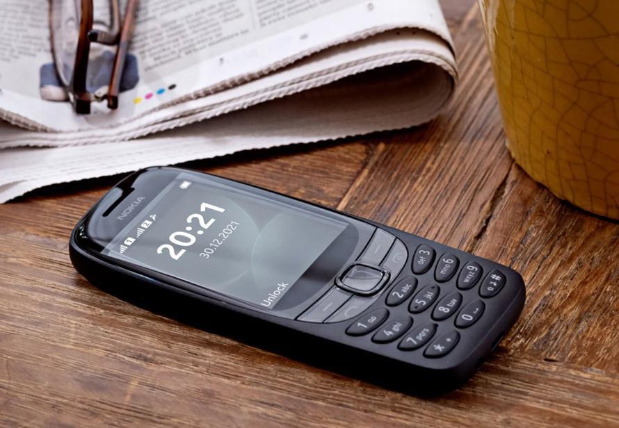 Вернись в прошлое: перевыпустили легендарный телефон Nokia 6310. Работает до трех недель от одного заряда